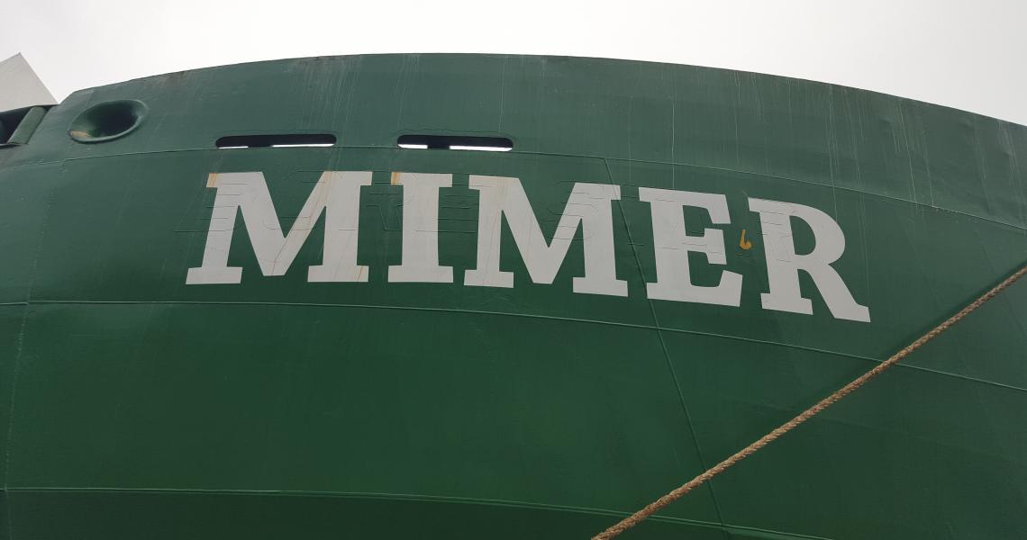 Mimer målat namn på båt