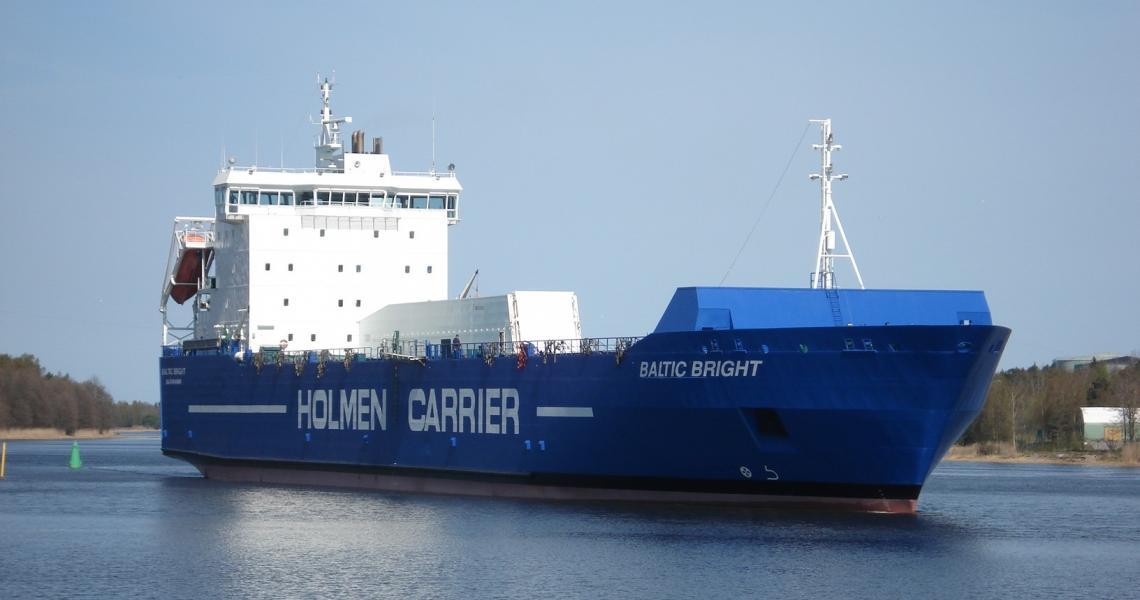 Baltic Bright at sea